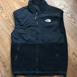 Men's Black North Face Polartec fleece vest